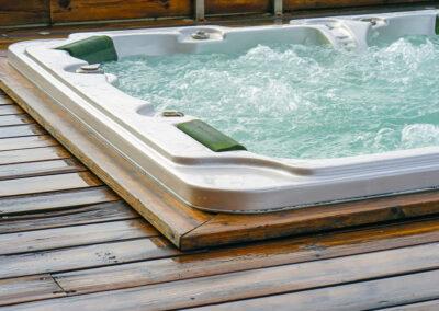 Pathfinder Tor hot tub